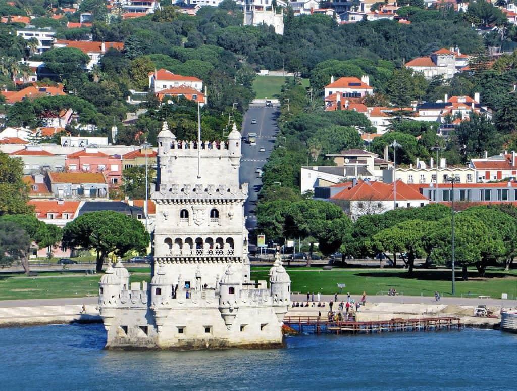 נוף פורטוגלי מהים