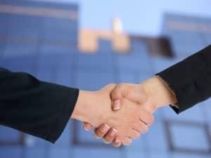 לחיצת ידיים עסקית