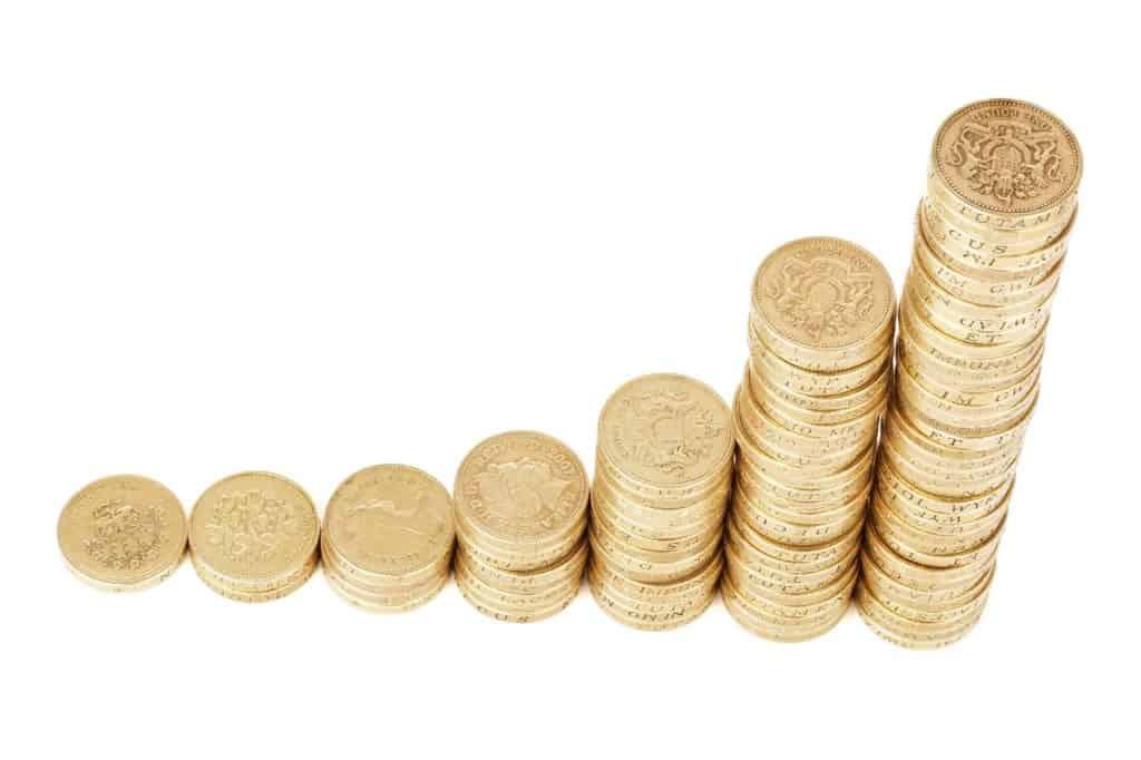 פירמידה של מטבעות